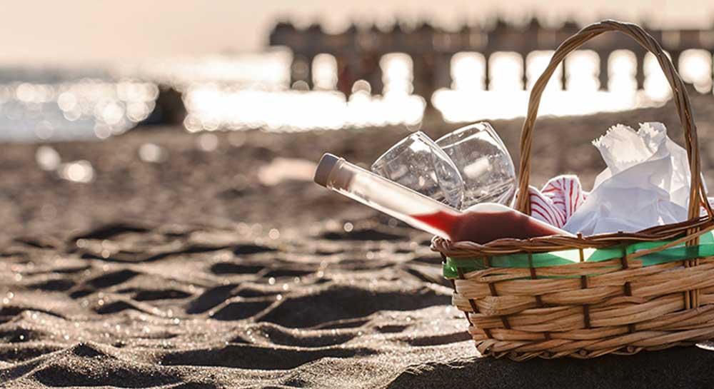 Beach Picnic in Mumbai