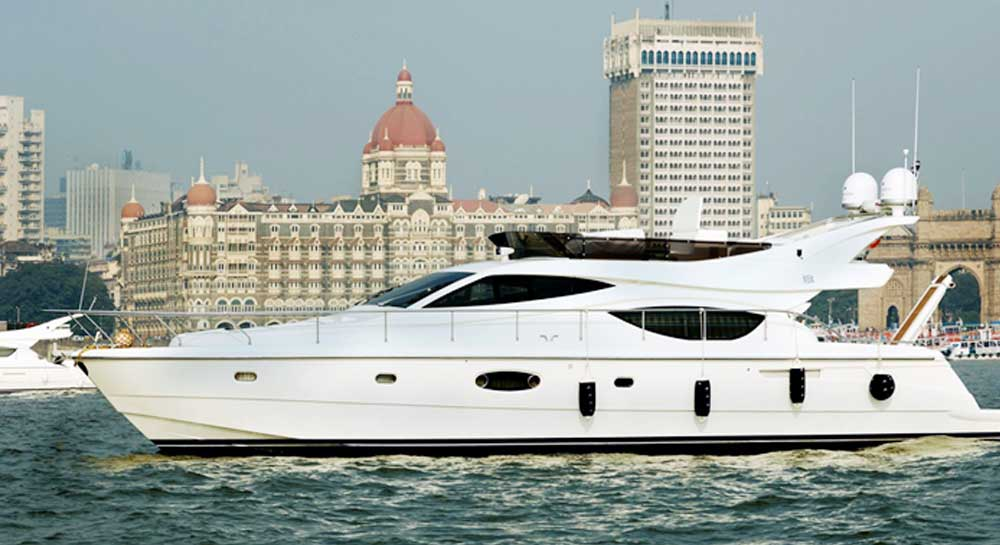 Ferretti 550 Yacht on Charter in Mumbai