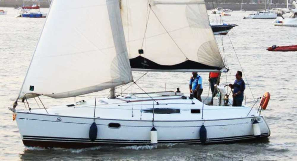 Jeanneau 29 Sail Yacht on Charter in Mumbai