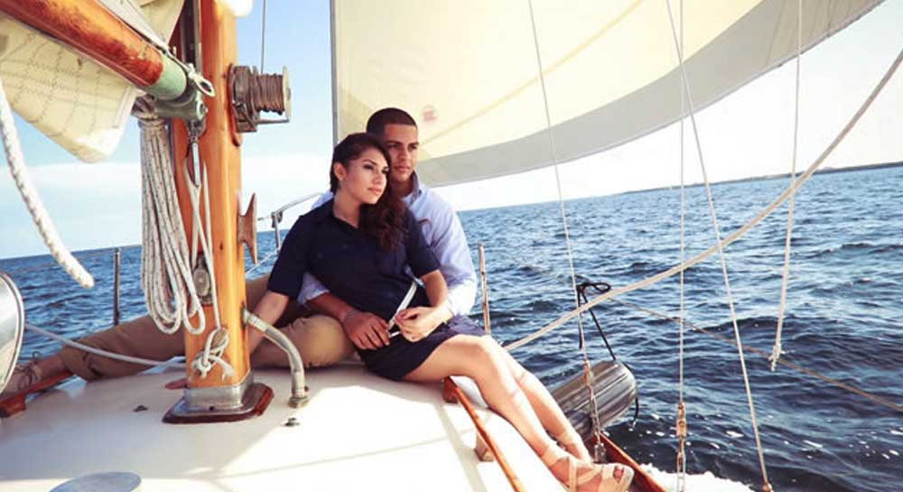 Yacht Sailing for Couples in Mumbai